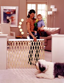 Expandable Wooden Swing Baby Safety Gate