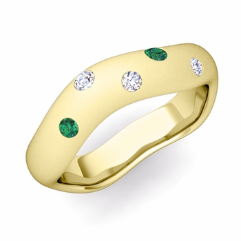 Curved Diamond and Emerald Wedding Ring in 18k Gold, Satin Finish, 5mm