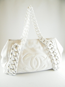 Over  1000 - Authentic CHANEL WHITE LEATHER RESIN MODERN CHAIN LARGE ... b743f1596fd8