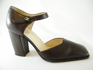 Gorgeous! Authentic Chanel Brown Leather Heels Shoes