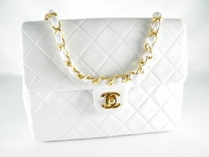 Gorgeous! Auth 2.55 Chanel White Lambskin Leather Bag