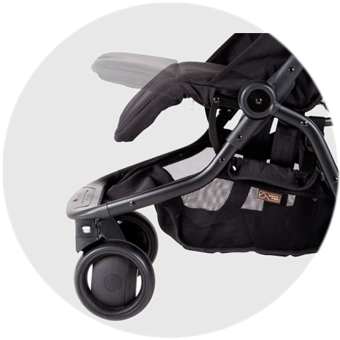 Adjustable legrest & 2-position recline ensure baby's comfort.