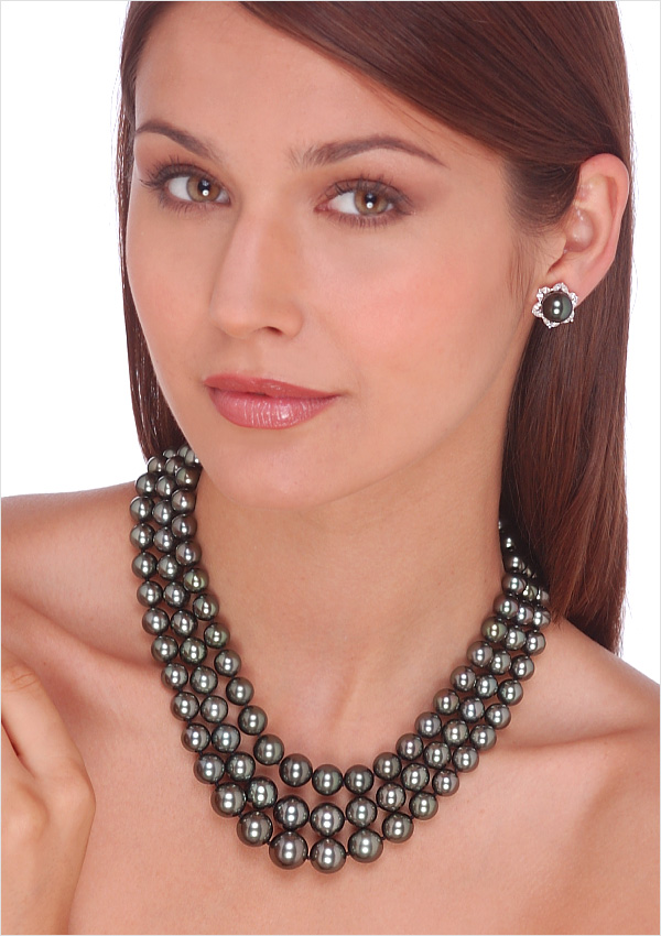 Black Tahitian Triple Strand Cultured Pearl Necklace 16