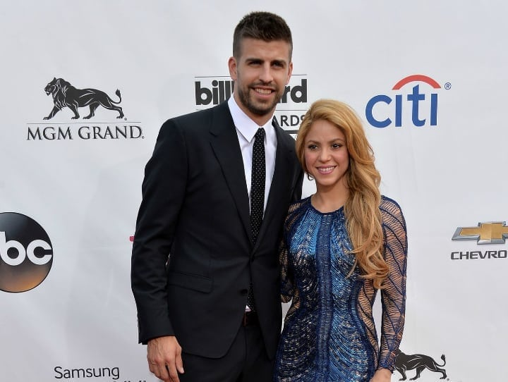 "Shakira and Gerard Pique: 5'0"" and 6'4"" - Tallmenshoes.com"