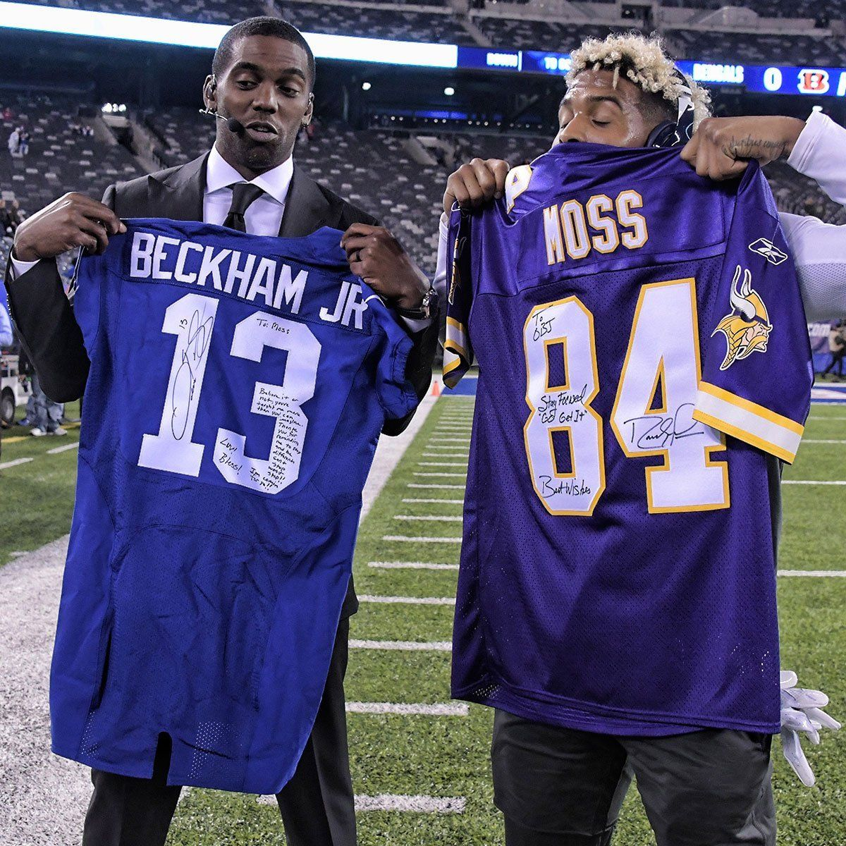 Randy Moss and Odell Beckham Exchange Signed Jerseys