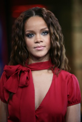 Kaales Loose Wet and Wavy hair brand looks like Rihannas
