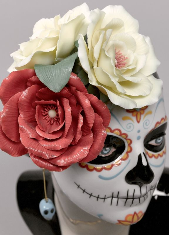 Lladro Beautiful Catrina