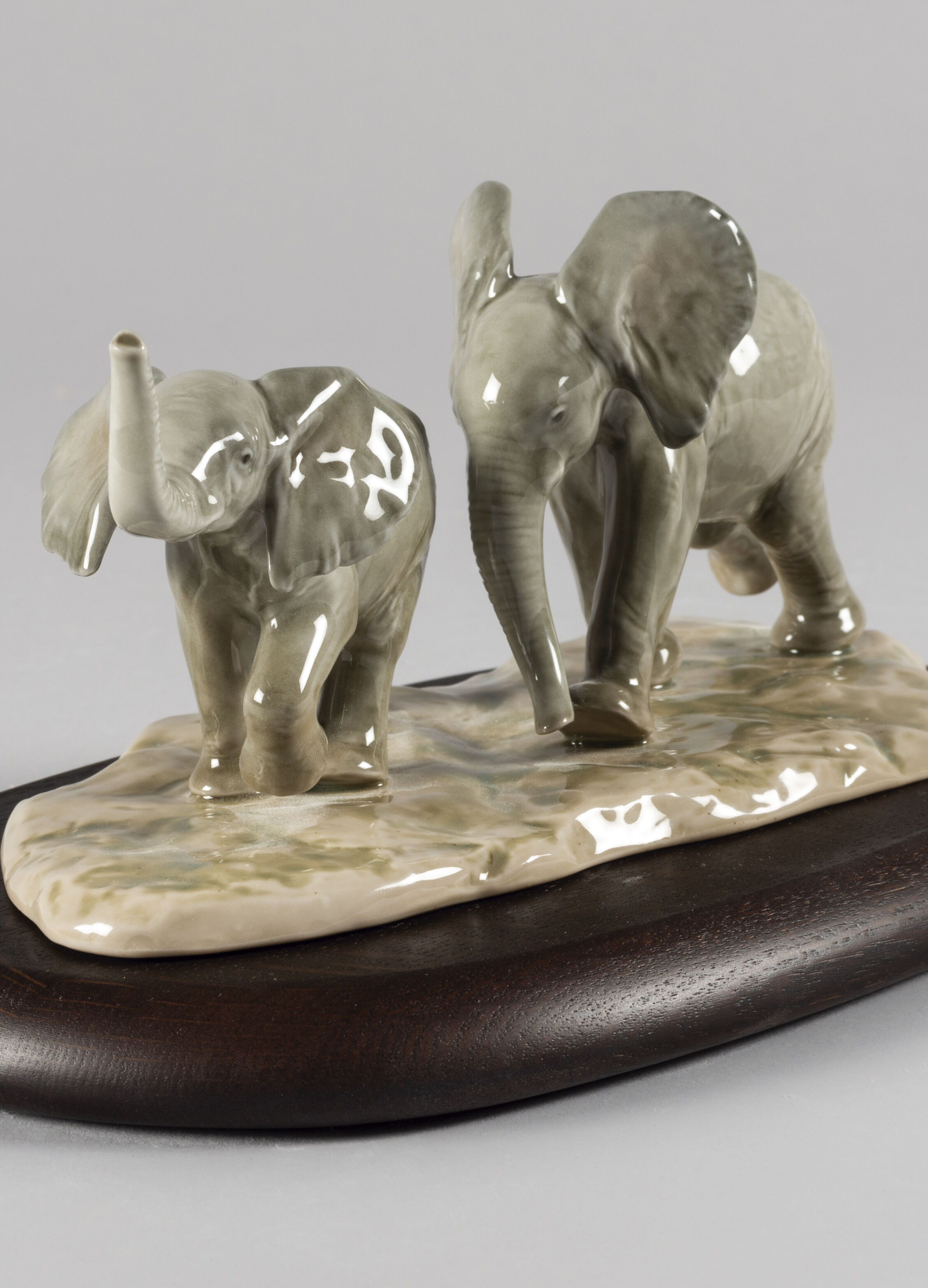 Lladro Following The Path Elephants