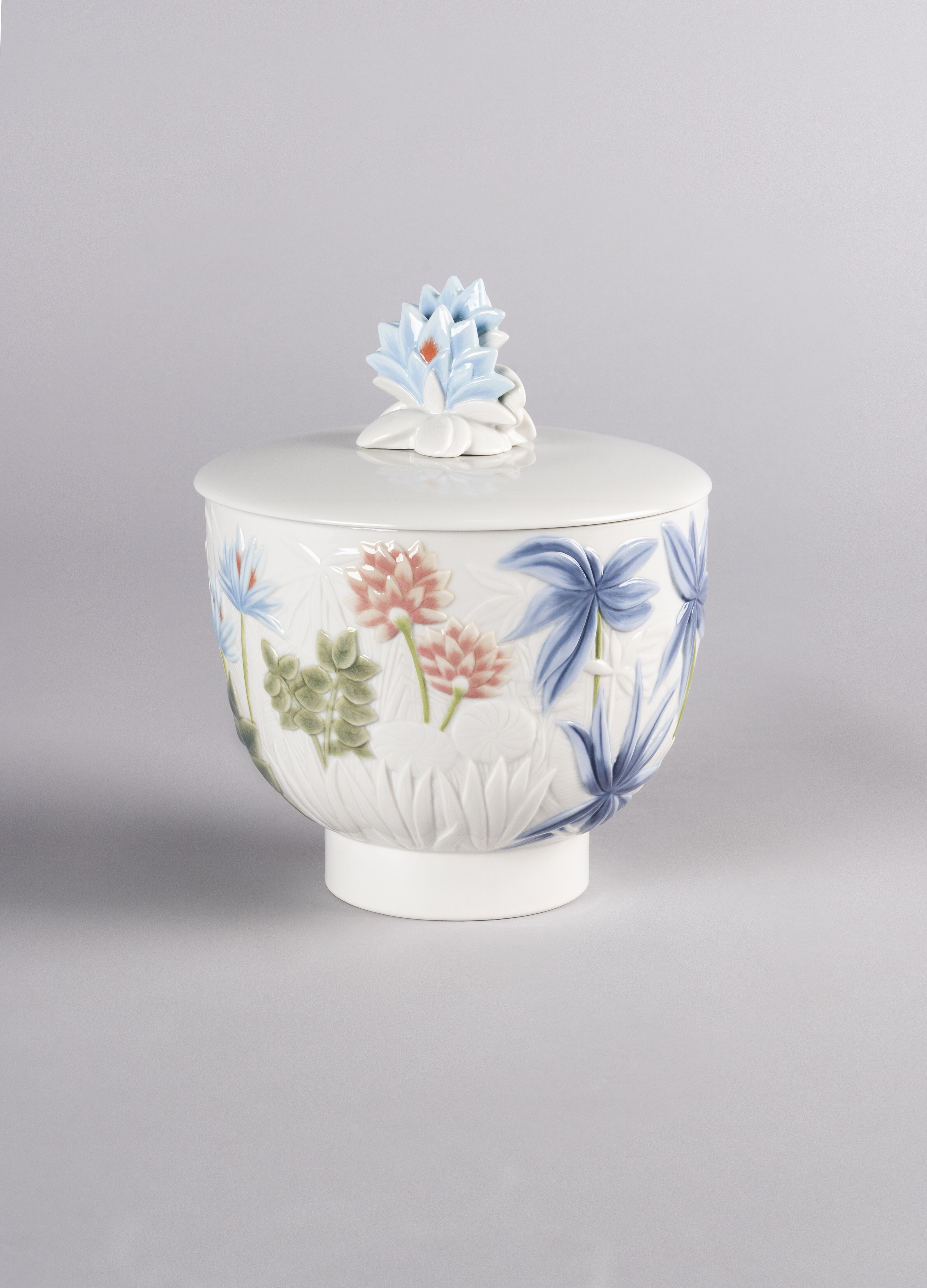 Lladro Paradise Candle. Big. Gardens of Valencia Scent