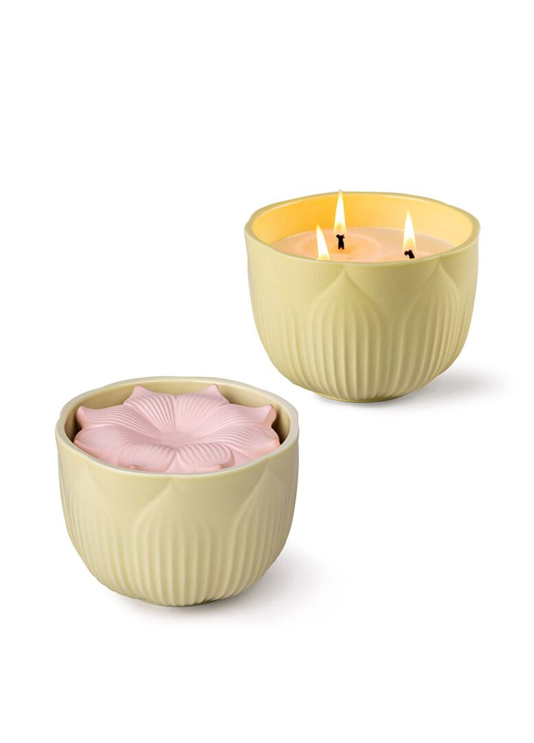 Lladro Fleurs candle Gardens of Valencia Scent