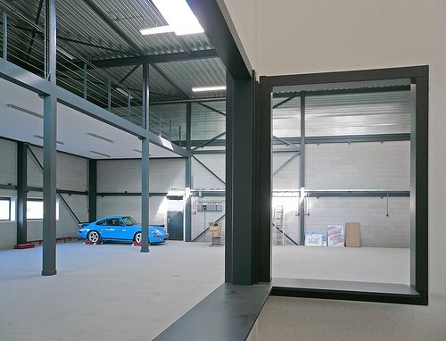 How To Decorate a Garage