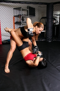 women, cage fighting