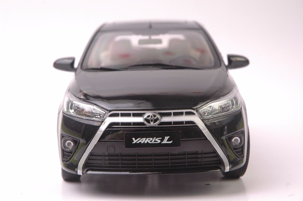 1:18 Diecast Model for Toyota Yaris L Gray Alloy Toy Car Miniature Collection Gifts (Alloy Toy Car, Diecast Scale Model Car, Collectible Model Car, Miniature Collection Die-cast Toy Vehicles Gifts)