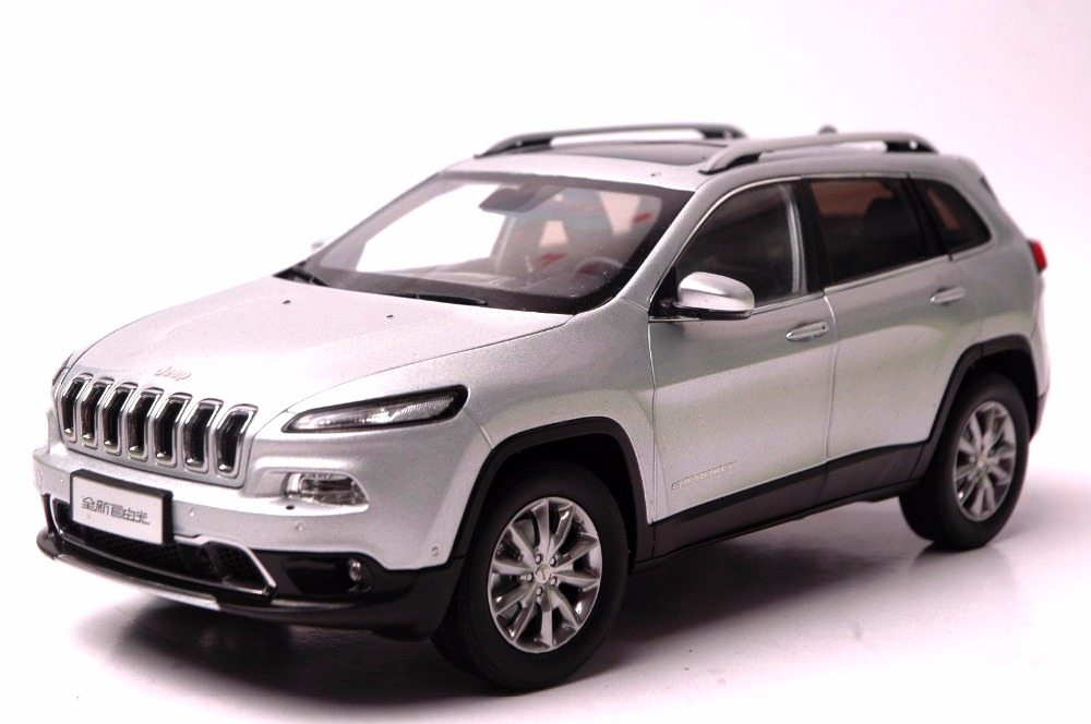 1:18 Diecast Model for Jeep Cherokee 2016 Silver SUV Alloy Toy Car Miniature Collection Gift (Alloy Toy Car, Diecast Scale Model Car, Collectible Model Car, Miniature Collection Die-cast Toy Vehicles Gifts)