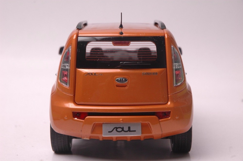 1:18 Diecast Model for Kia Soul 2014 Orange City SUV Alloy Toy Car Miniature Collection Gifts (Alloy Toy Car, Diecast Scale Model Car, Collectible Model Car, Miniature Collection Die-cast Toy Vehicles Gifts)