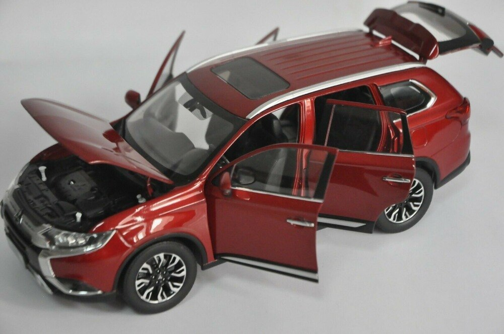 1:18 Diecast Model for Mitsubishi Outlander 2019 Red SUV Alloy Toy Car Miniature Collection