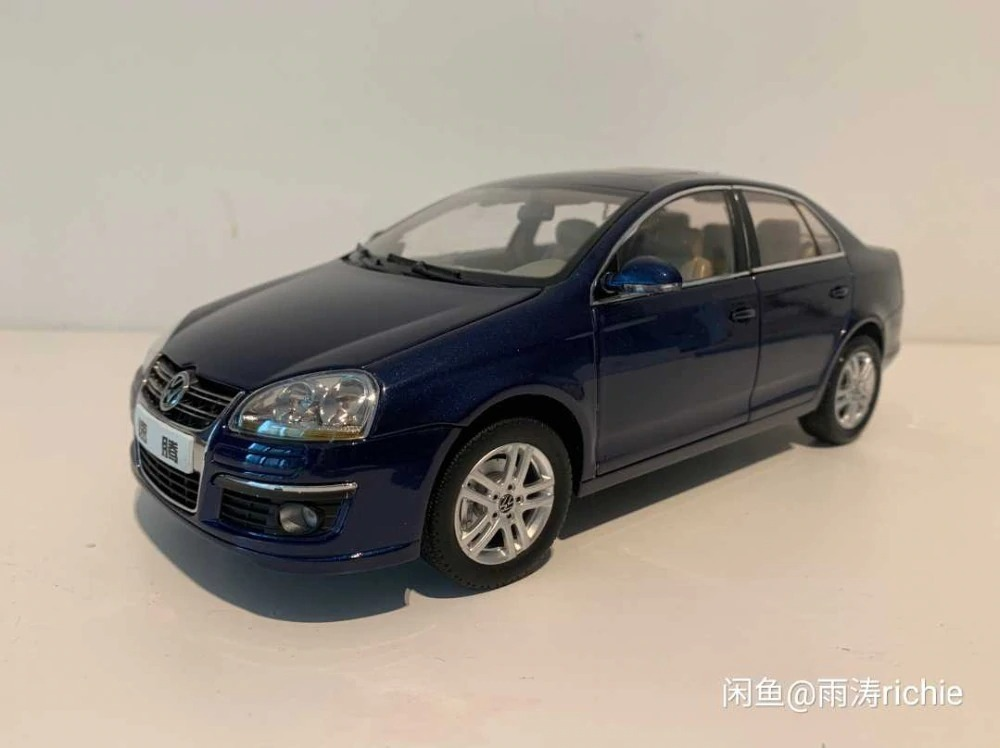 1:18 Diecast Model for Sagitar Jetta 2008 Sedan Alloy Toy Car Miniature Collection Gift Sega