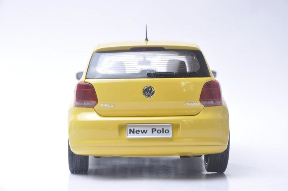 1:18 Diecast Model for Volkswagen VW New Polo 2012 Yellow Hatchback Alloy Toy Car Miniature Collection Gifts