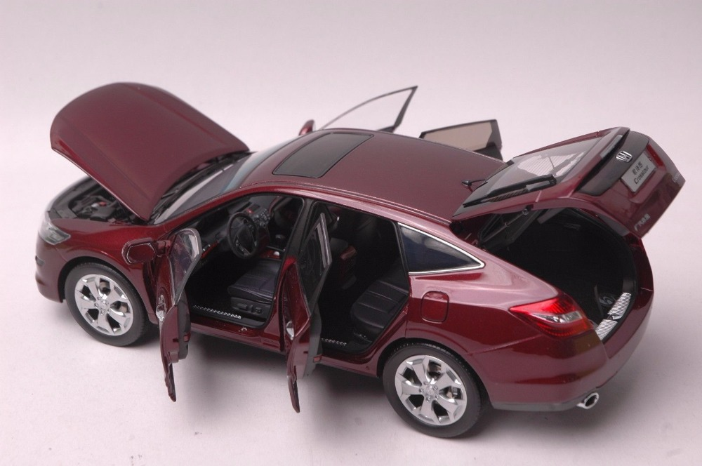 1/18 Honda Crosstour 2011 Red Sportback Alloy Toy Car, Diecast Scale Model Car, Collectible Model Car, Miniature Collection Die-cast Toy Vehicles Gifts
