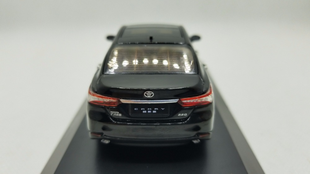 1/43 Toyota Camry 2018 Black 8th Generation Sedan Alloy Toy Car, Diecast Scale Model Car, Collectible Model Car, Miniature Collection Die-cast Toy Vehicles Gifts
