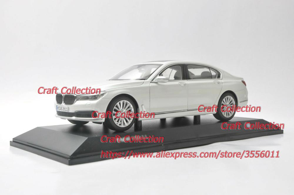 1/18 750Li 760Li White Sedan Alloy Toy Car, Diecast Scale Model Car, Collectible Model Car, Miniature Collection Die-cast Toy Vehicles Gifts