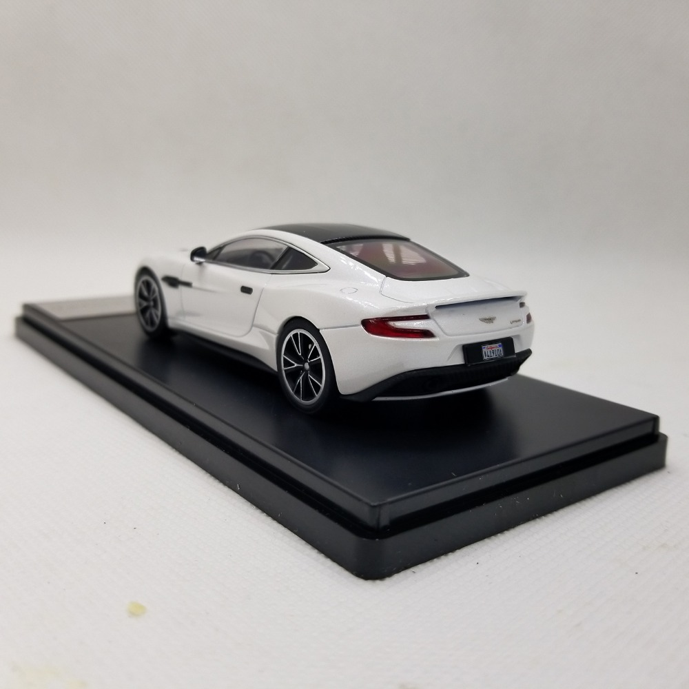 1/43 Aston Martin Vanquish Sport Car Alloy Toy Car, Diecast Scale Model Car, Collectible Model Car, Miniature Collection Die-cast Toy Vehicles Gifts