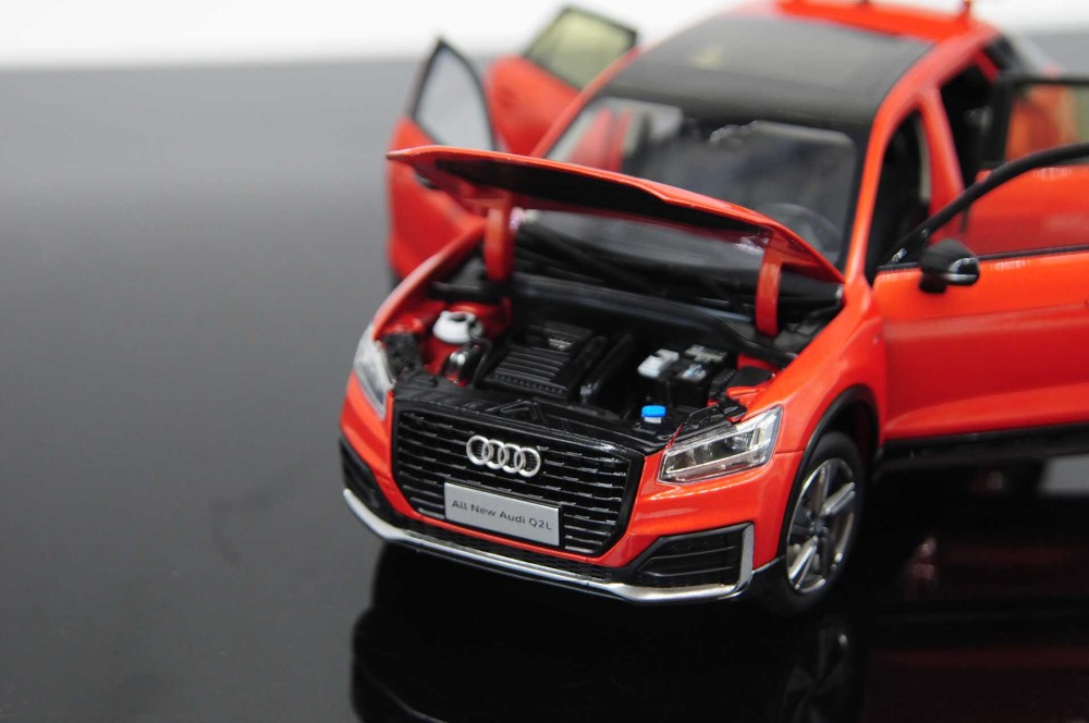 1/18 Audi Q2L 2019 SUV Alloy Toy Car, Diecast Scale Model Car, Collectible Model Car, Die cast Toy Vehicles