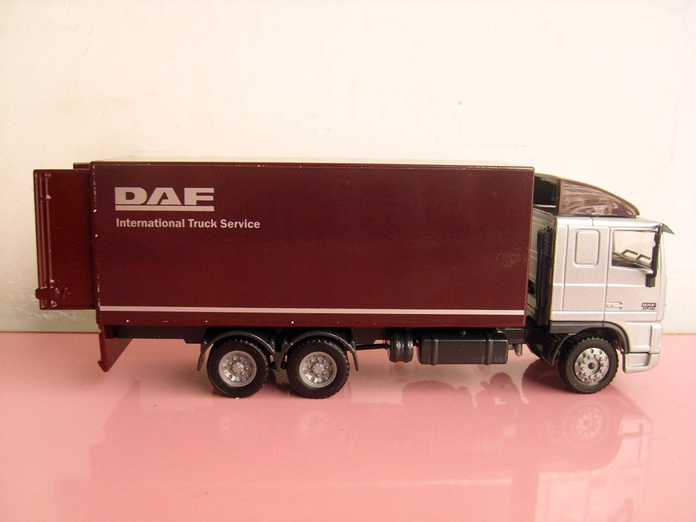 1:50 DAF 95XF Straight Van Truck toy, (Scale Model Truck, Construction vehicles Scale Model, Alloy Toy Car, Diecast Scale Model Car, Collectible Model Car, Miniature Collection Die cast Toy Vehicles Gifts).