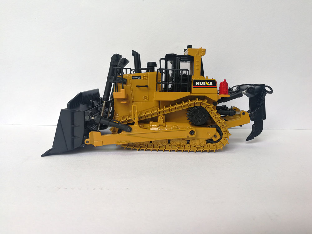 1:50 Die-Cast HUINA Tractor toy, (Scale Model Truck, Construction vehicles Scale Model, Alloy Toy Car, Diecast Scale Model Car, Collectible Model Car, Miniature Collection Die cast Toy Vehicles Gifts).