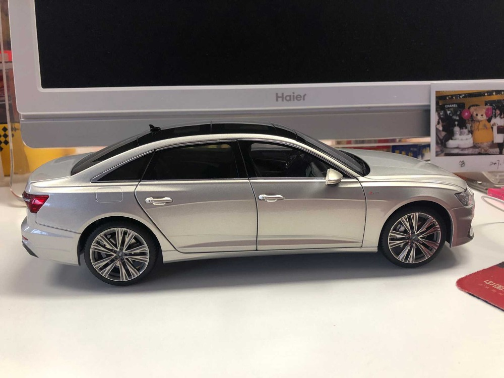 1:18 Diecast Model for Audi A6L 2019 Silver Gold Sedan Alloy Toy Car Miniature Collection Gifts A6 S6