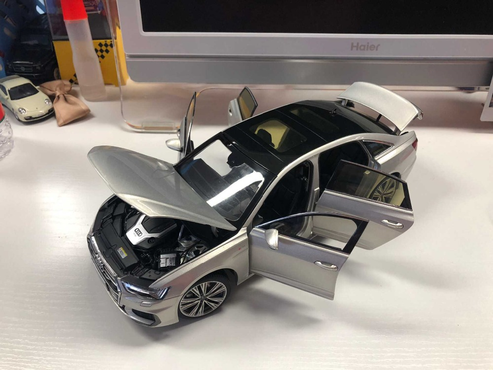 1:18 Diecast Model for Audi A6L 2019 White Sedan Alloy Toy Car Miniature Collection Gifts A6 S6