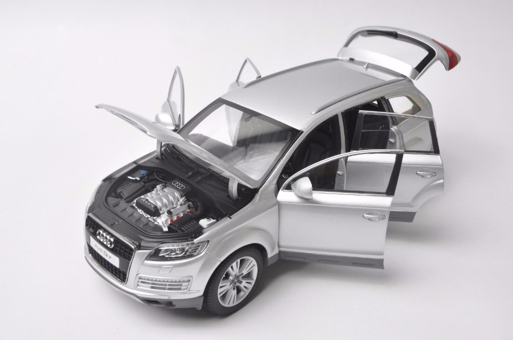 1:18 Diecast Model for Audi Q7 2010 Silver SUV Alloy Toy Car Miniature Collection Gift (Alloy Toy Car, Diecast Scale Model Car, Collectible Model Car, Miniature Collection Die-cast Toy Vehicles Gifts)
