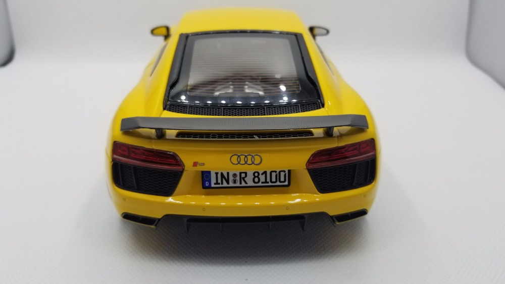 1:18 Diecast Model for Audi R8 V10 Plus Yellow Coupe Original Factory Alloy Toy Car Miniature Collection Gifts (Alloy Toy Car, Diecast Scale Model Car, Collectible Model Car, Miniature Collection Die-cast Toy Vehicles Gifts)