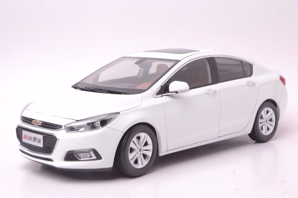 1:18 Diecast Model for Cherolet Chevy Cruze 2015 White Sedan Alloy Toy Car Miniature Collection Gifts (Alloy Toy Car, Diecast Scale Model Car, Collectible Model Car, Miniature Collection Die-cast Toy Vehicles Gifts)