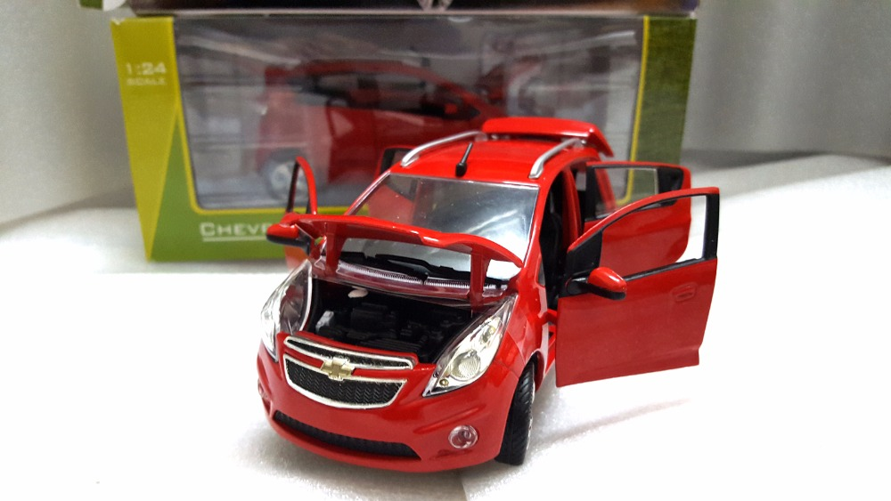 1:24 Diecast Model for Chevrolet Chevy Spark Red Minicar Alloy Toy Car Miniature Collection Gifts (Alloy Toy Car, Diecast Scale Model Car, Collectible Model Car, Miniature Collection Die-cast Toy Vehicles Gifts)