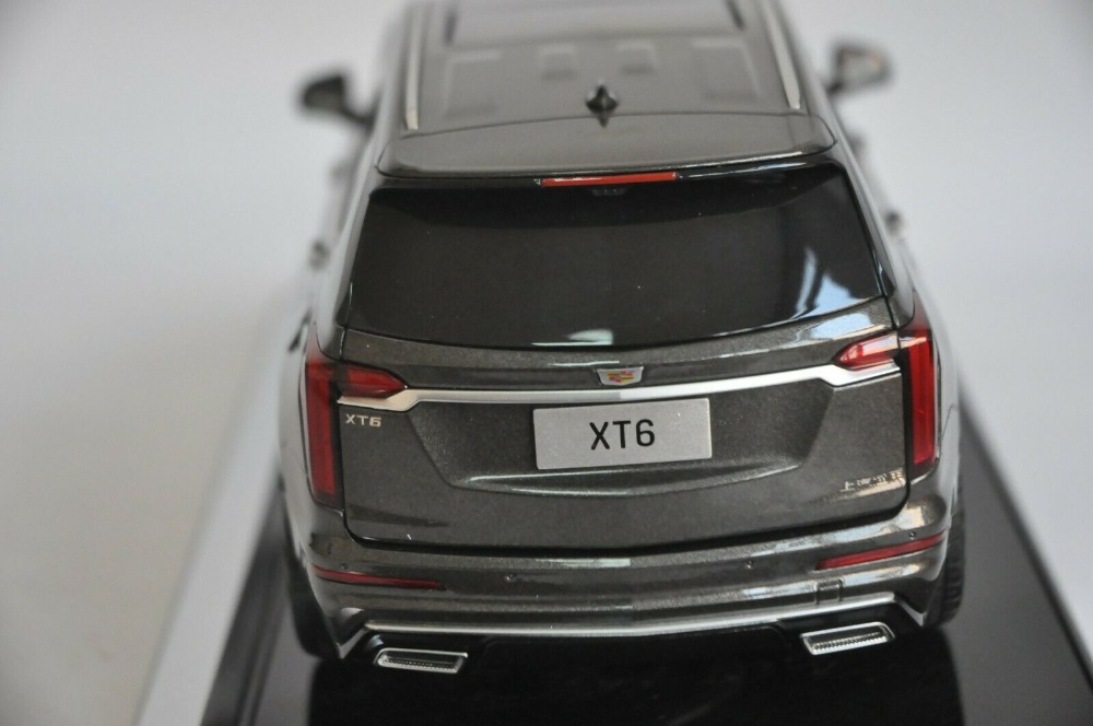 1:18 Diecast Model for GM Caddillac XT6 2019 SUV Alloy Toy Car Miniature Collection Gifts Hot Selling XT