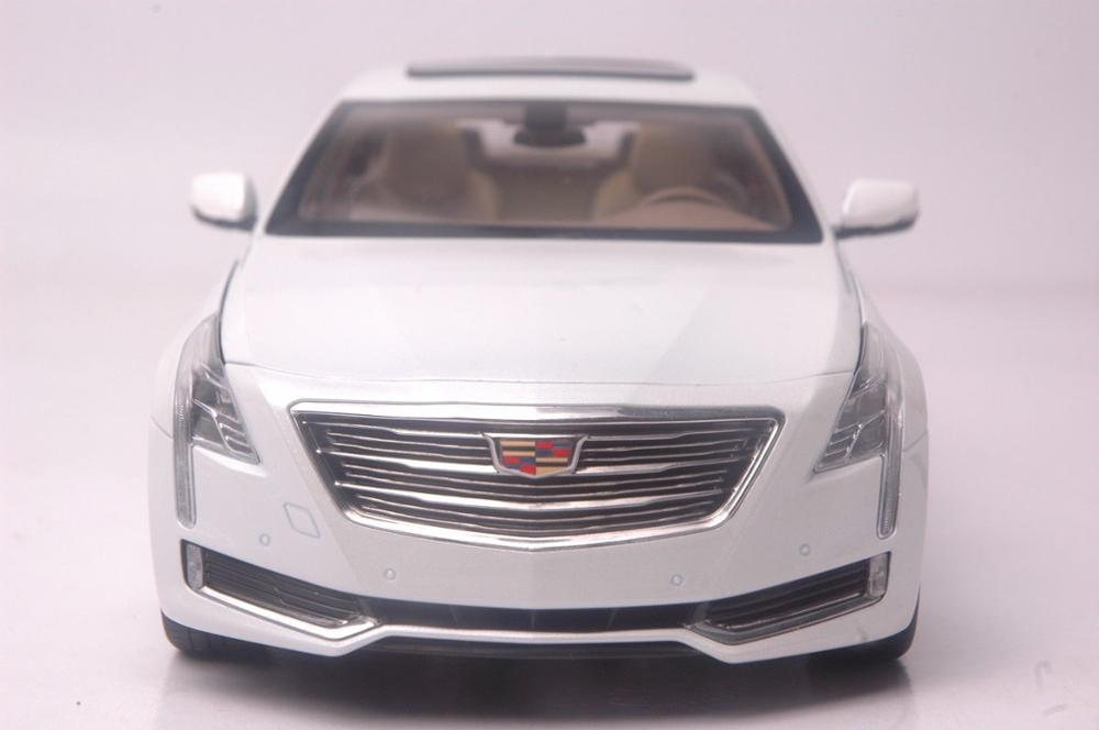 1:18 Diecast Model for GM Cadillac CT6 2016 White Sedan Alloy Toy Car Miniature Collection Gifts CT (Alloy Toy Car, Diecast Scale Model Car, Collectible Model Car, Miniature Collection Die-cast Toy Vehicles Gifts)
