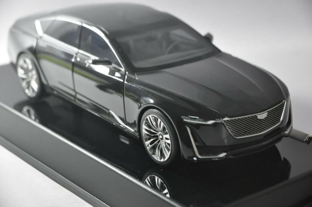 1:18 Diecast Model for GM Cadillac CT6 2019 Black Sedan Alloy Toy Car Miniature Collection Gifts CT