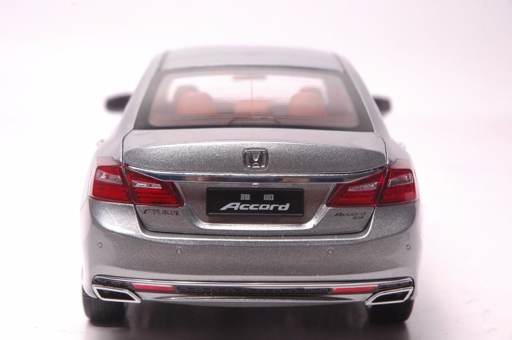 1:18 Diecast Model for Honda Accord 10 2016 Gray Alloy Toy Car Miniature Collection Gifts MK10 (Alloy Toy Car, Diecast Scale Model Car, Collectible Model Car, Miniature Collection Die-cast Toy Vehicles Gifts)