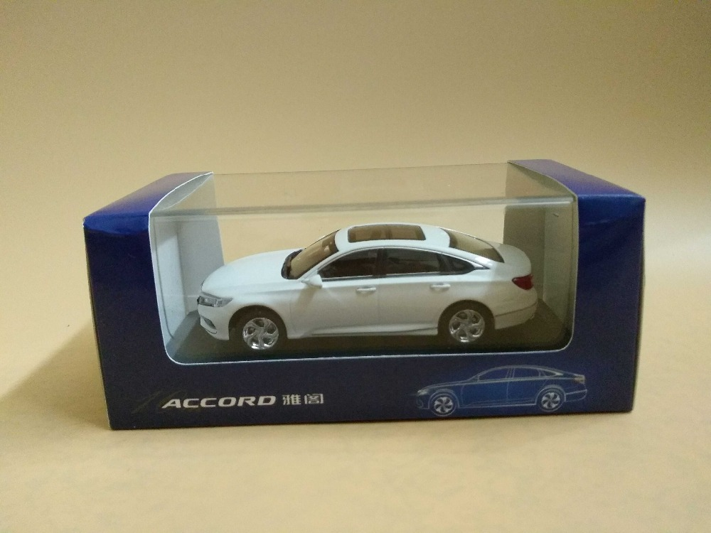 1:43 Diecast Model for Honda Accord 10 2018 White New Sedan Alloy Toy Car Miniature Collection Gifts 10th Generation