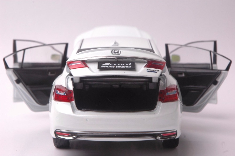 1:18 Diecast Model for Honda Accord 10 Sport Hybrid 2016 White Alloy Toy Car Miniature Collection Gifts MK10 10th Generation (Alloy Toy Car, Diecast Scale Model Car, Collectible Model Car, Miniature Collection Die-cast Toy Vehicles Gifts)