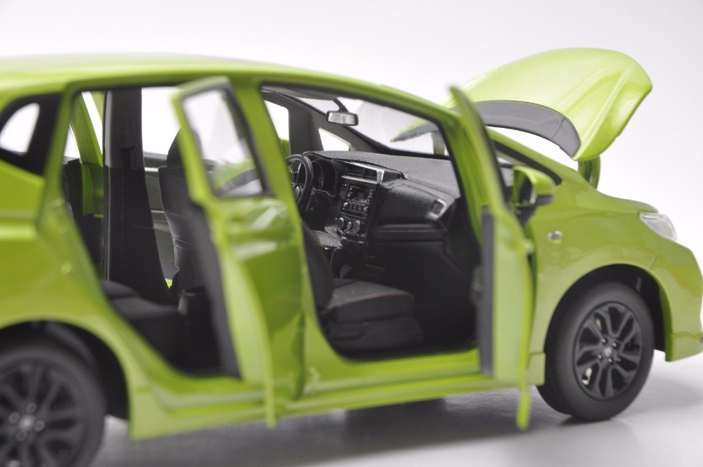 1:18 Diecast Model for Honda Fit Sport Jazz GK5 2018 Green Hatchback Alloy Toy Car Miniature Collection Gifts (Alloy Toy Car, Diecast Scale Model Car, Collectible Model Car, Miniature Collection Die-cast Toy Vehicles Gifts)