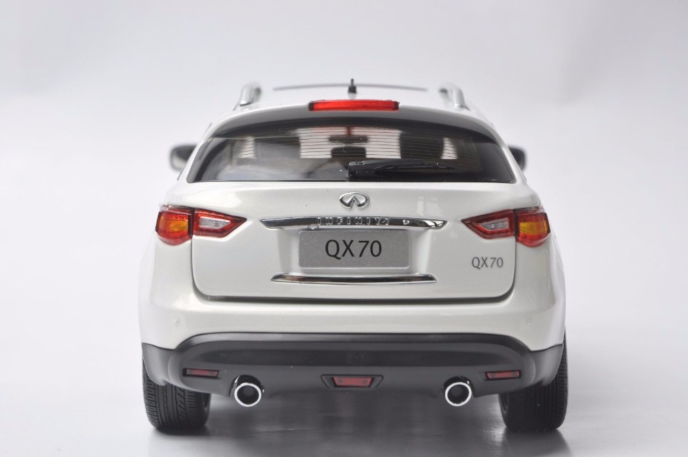 1:18 Diecast Model for Infiniti QX70 2014 White SUV Alloy Toy Car Miniature Collection Gift FX50 FX (Alloy Toy Car, Diecast Scale Model Car, Collectible Model Car, Miniature Collection Die-cast Toy Vehicles Gifts)