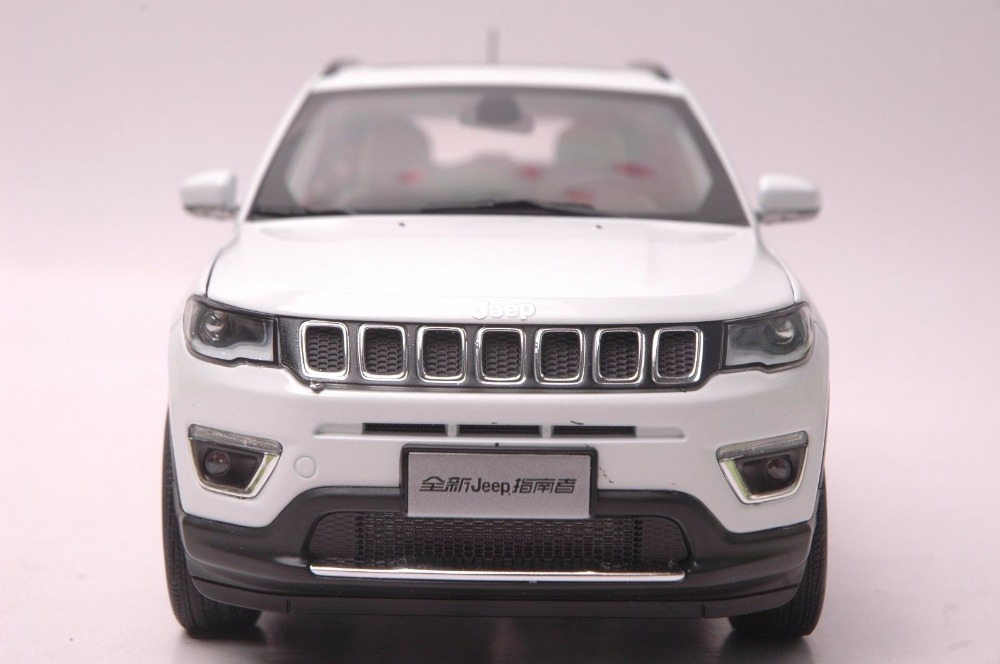 1:18 Diecast Model for Jeep COMPASS 2017 White SUV Alloy Toy Car Miniature Collection Gift  (Alloy Toy Car, Diecast Scale Model Car, Collectible Model Car, Miniature Collection Die-cast Toy Vehicles Gifts)