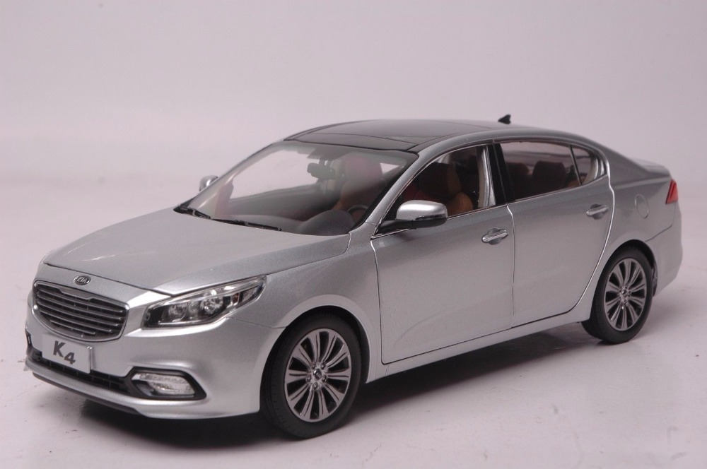 1:18 Diecast Model for Kia K4 2014 Silver Sedan Alloy Toy Car Miniature Collection Gifts CeratoDiecast Model for Kia K4 2014 White Sedan Alloy Toy Car Miniature Collection Gifts Cerato (Alloy Toy Car, Diecast Scale Model Car, Collectible Model Car, Miniature Collection Die-cast Toy Vehicles Gifts)