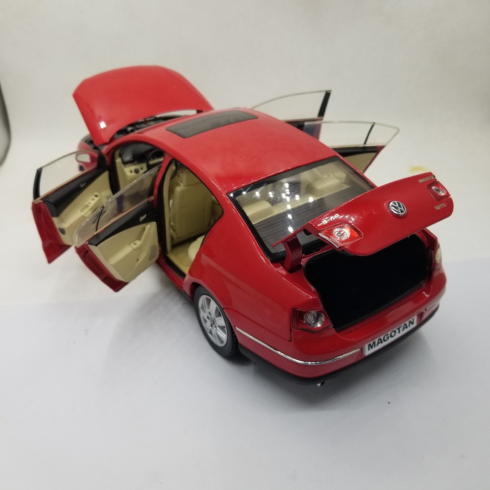 1:18 Diecast Model for Magotan Euro Passat B6 2008 Red Sedan Alloy Toy Car Miniature Collection Gift Sega