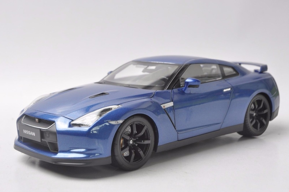 1:18 Diecast Model for Nissan GTR R35 208 Blue Coupe Alloy Toy Car Miniature Collection Gifts Sport Car (Alloy Toy Car, Diecast Scale Model Car, Collectible Model Car, Miniature Collection Die-cast Toy Vehicles Gifts)