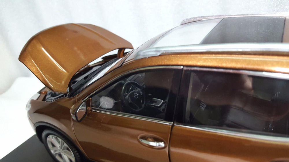 1:18 Diecast Model for Nissan X-trail Rogue 2014 Gold SUV Alloy Toy Car Miniature Collection Gifts X Trail Xtrail (Alloy Toy Car, Diecast Scale Model Car, Collectible Model Car, Miniature Collection Die-cast Toy Vehicles Gifts)