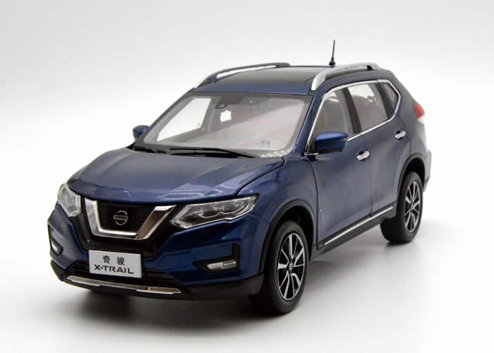 1:18 Diecast Model for Nissan X-trail Rogue 2018 Blue SUV Alloy Toy Car Miniature Collection Gifts Hot Selling Xtrail X Trail