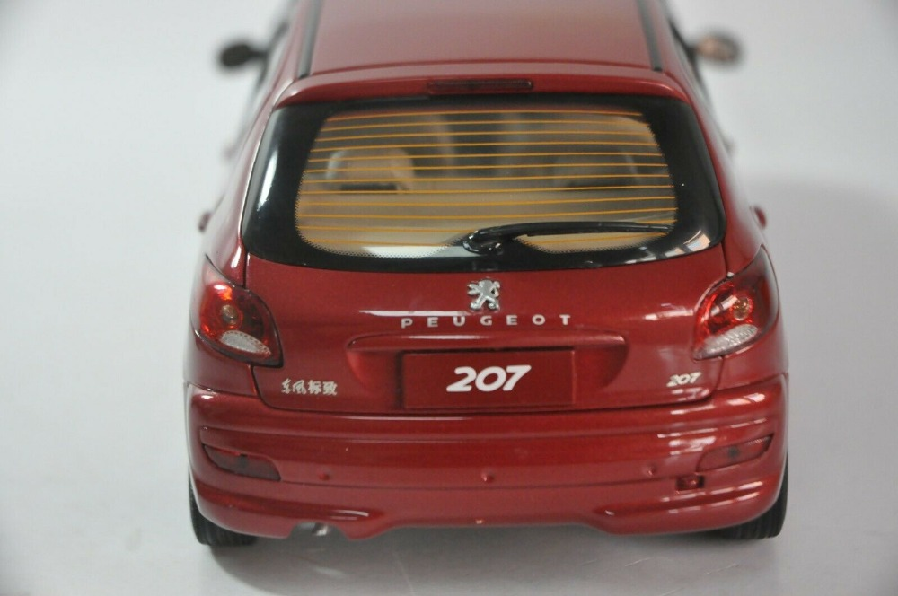 1:18 Diecast Model for Peugeot 207 Red Hatchback Alloy Toy Car Miniature Collection Gifts Hot Selling Altis